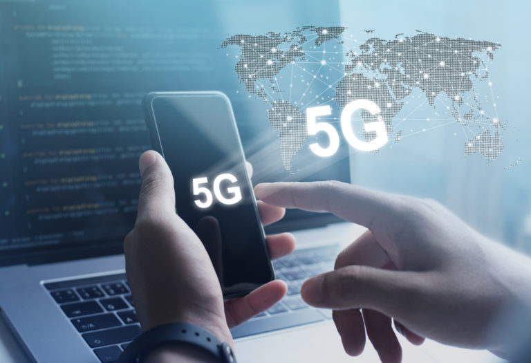 5G-on-mobile-and-laptop